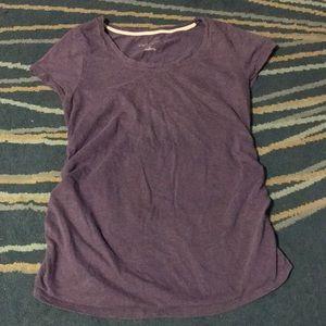 (3/$25) GUC Liz Lange maternity scoop neck t-shirt
